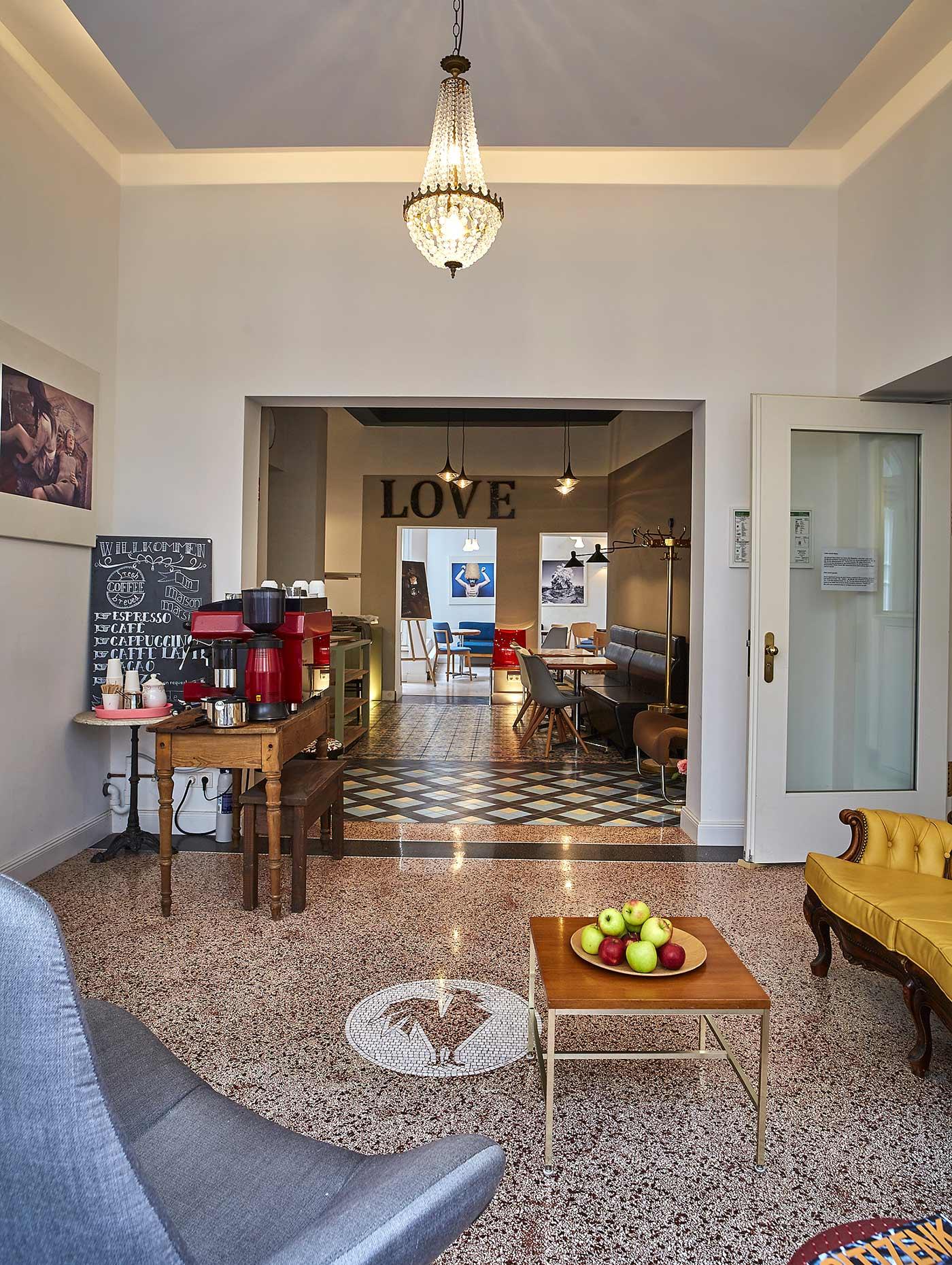 marsil hotel im herzen k lns. Black Bedroom Furniture Sets. Home Design Ideas